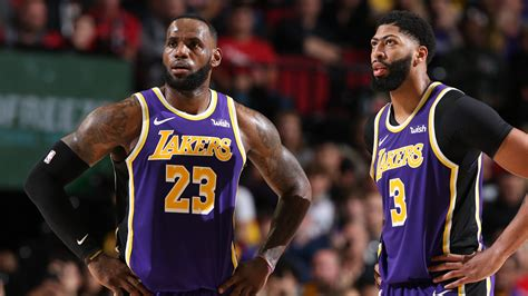 Anthony Davis scores 39 as the Los Angeles Lakers fire on