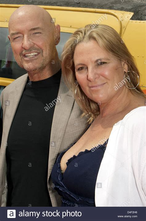 US actor Terry O'Quinn and his wife Lori pose in front of